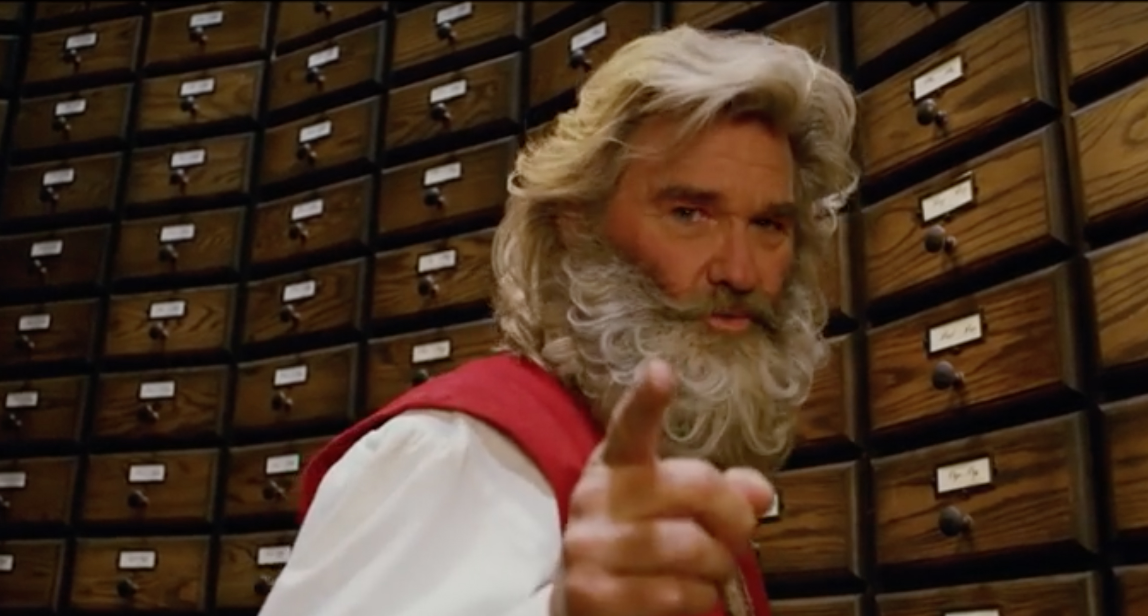 Christmas Chronicles.Watch Kurt Russell Is Santa In Netflix S The Christmas